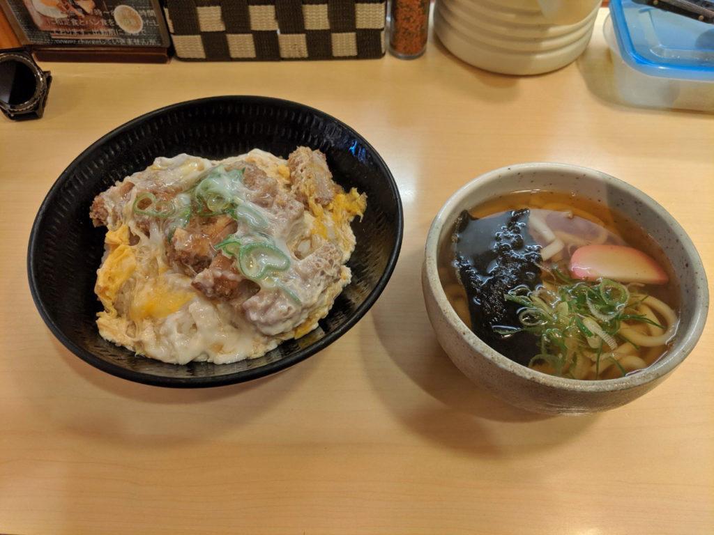 カツ丼(730円)+ミニうどん(250円)