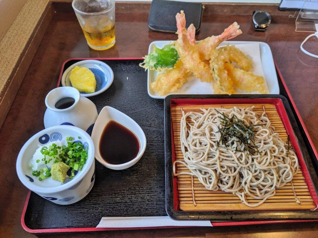エビ天ざるそば (1, 350円)