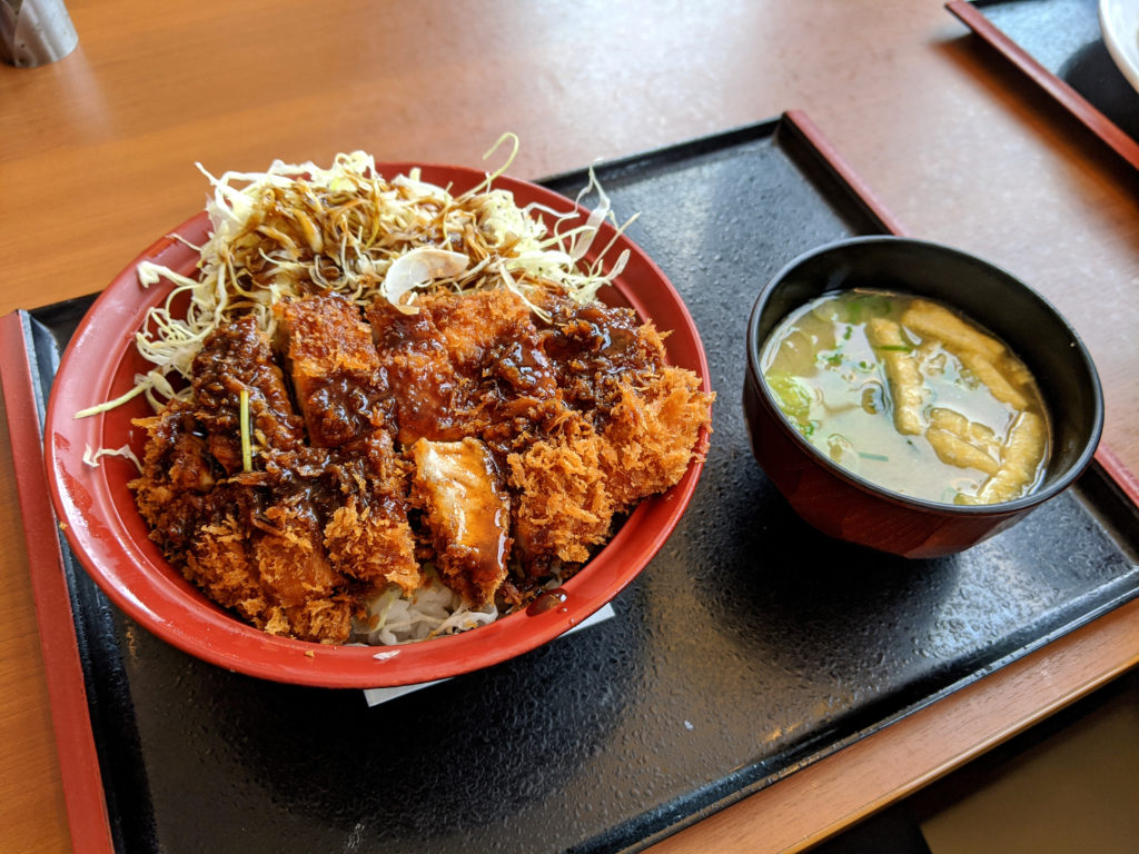 ソースかつ丼(690円)